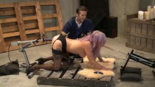 Vyxen Steel Anal Fucking Machine BDSM Sex